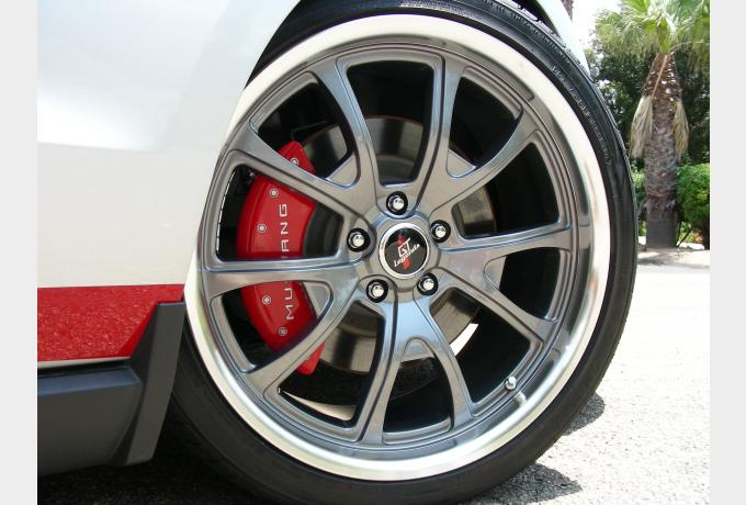 ford-mustang-caliper-cover