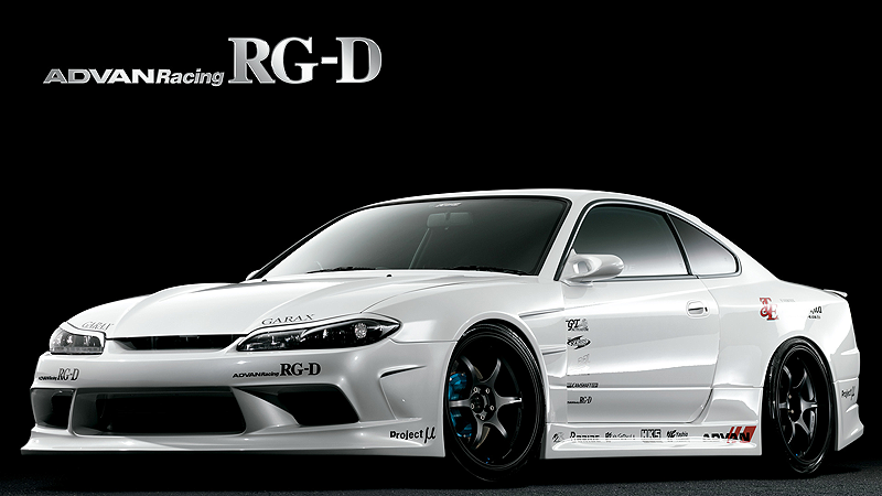 Shown above is a Nissan Silvia S15 with 19 inch RG-D Racing wheels