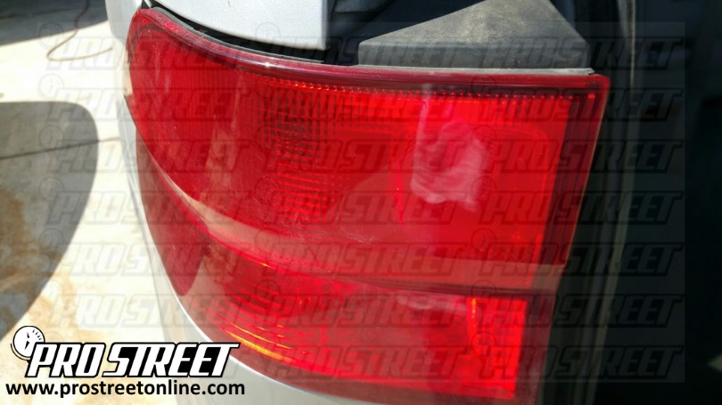 How To Change Honda Odyssey Taillight Bulbs