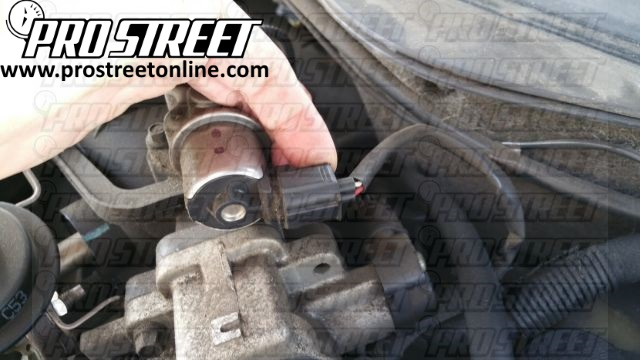 Replace your Ford Taurus Spark Plugs 3